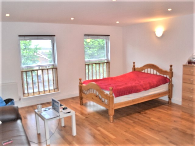 Stunning Studio Flat Available 5 August 2017, South Wimbledon, London