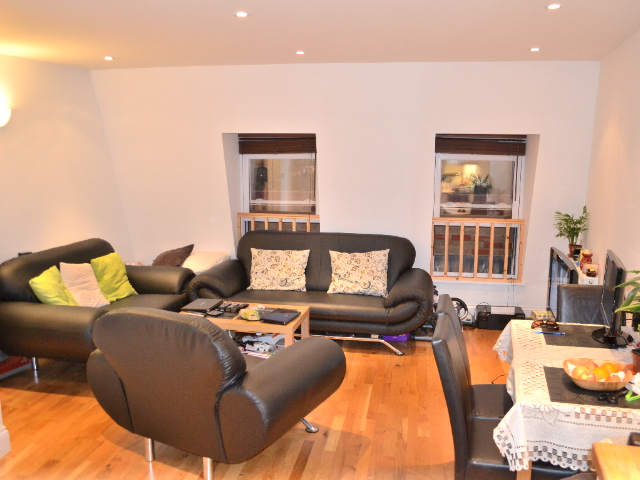 2 Bed Flat Available in South Wimbledon