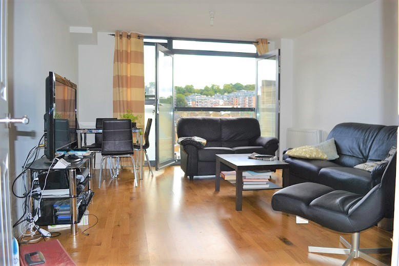Fabulous 1 Bed Flat Available From 14 July 2017 Just 5 Mins Walk to Maze Hill Station