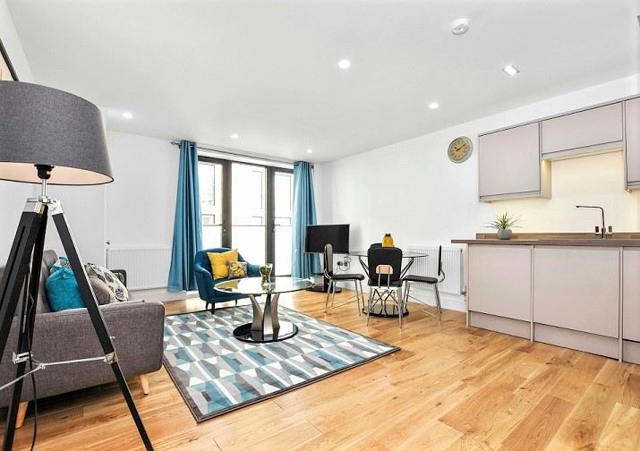 Stunning 1 Bed Flat just few Mins to Tube Station Great Location